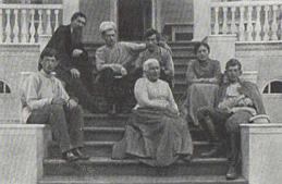 В. М. Васнецов с родными и близкими. 1906.