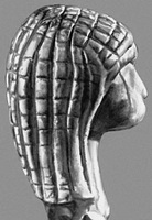 Голова женщины (кость мамонта)