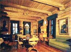 Интерьер дома В. М. Васнецова.