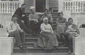 В.М. Васнецов с родными и близкими